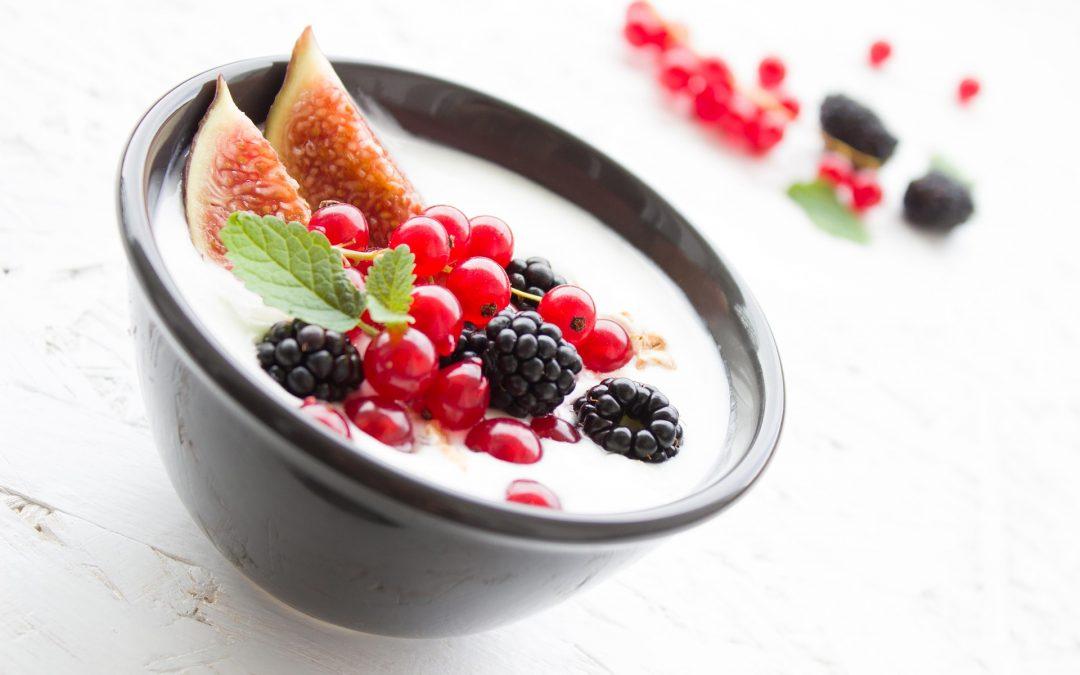 Kuhajmo BIO: Jogurtov napitek z marelicami in jabolčnim sokom