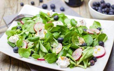 Kuhajmo BIO: Solata z gomoljno zeleno in hruškami